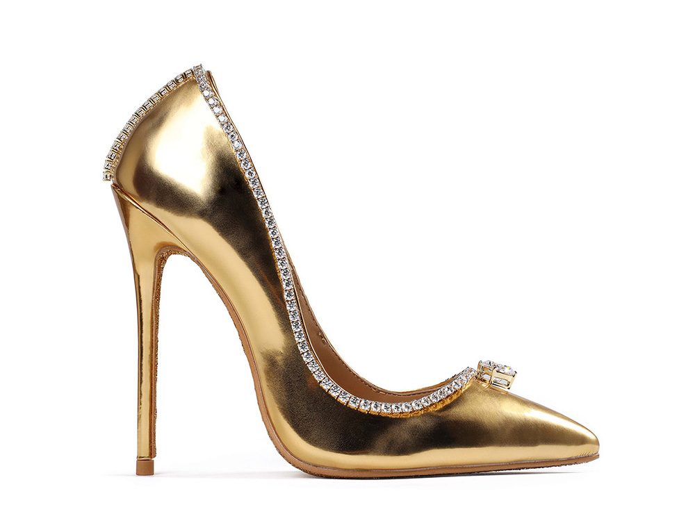 17,000,000 - JADA DUBAI AND PASSION JEWELERS PASSION DIAMOND SHOES – MOST EXPENSIVE SHOES