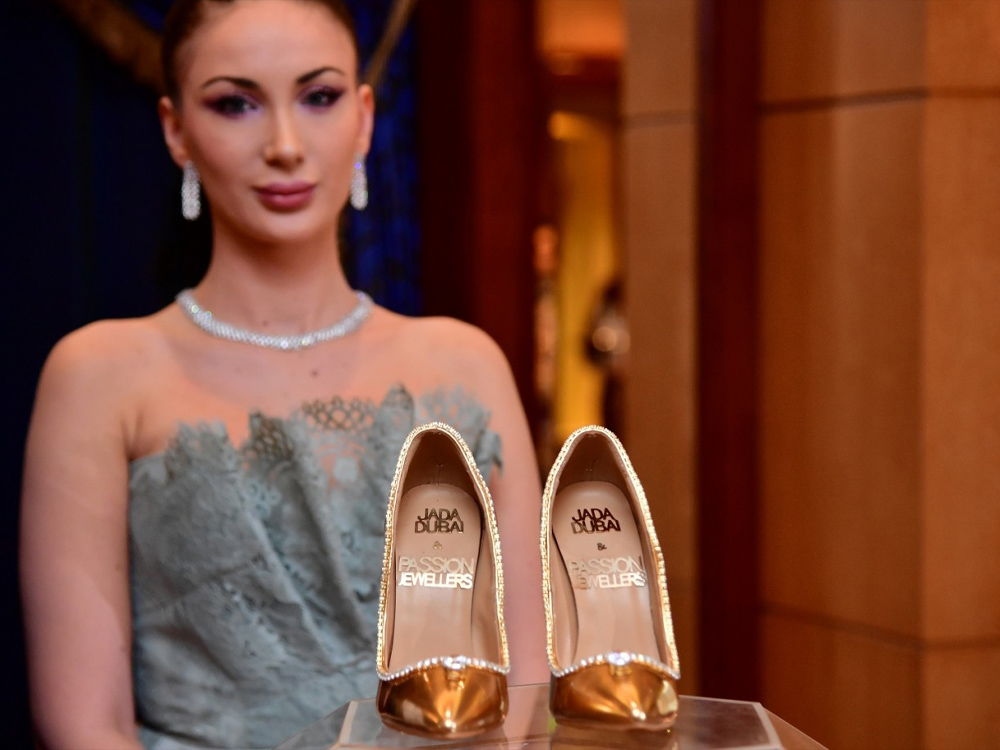 17,000,000 - JADA DUBAI AND PASSION JEWELERS PASSION DIAMOND SHOES – MOST EXPENSIVE SHOES 2